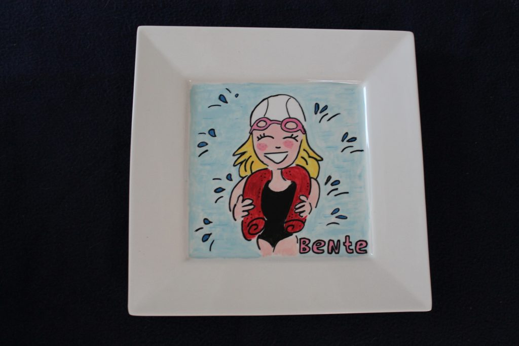 Handgeschilderd bord zwemdiploma
