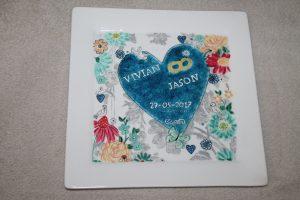 Handgeschilderd bord met trouwkaart