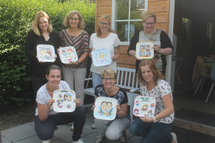 Team-uitje workshop servies beschilderen