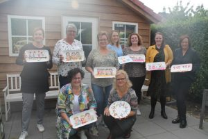 workshop servies beschilderen met collega's
